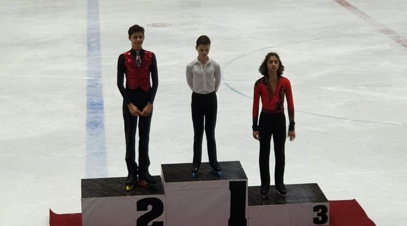 Buz Pateninde Üç Madalya