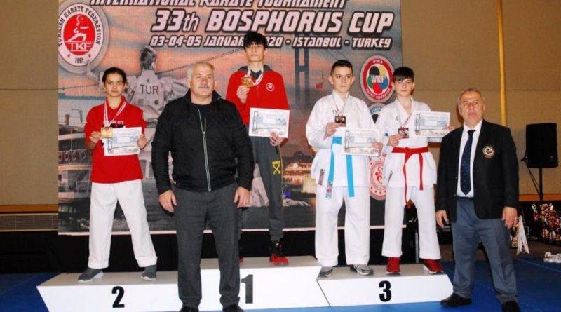 Karatede Beş Madalya